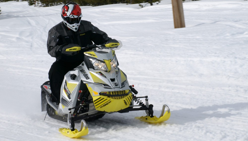 2017 800cc Trail King Comparison - Snowmobile.com