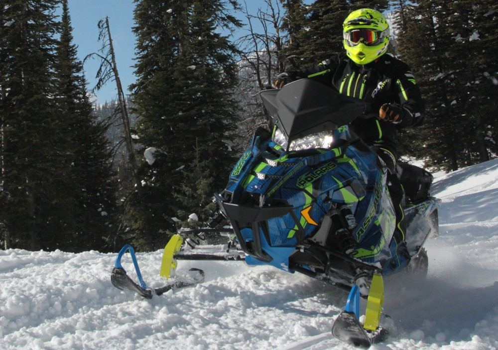 2017 Polaris 600 Switchback Assault Action Front