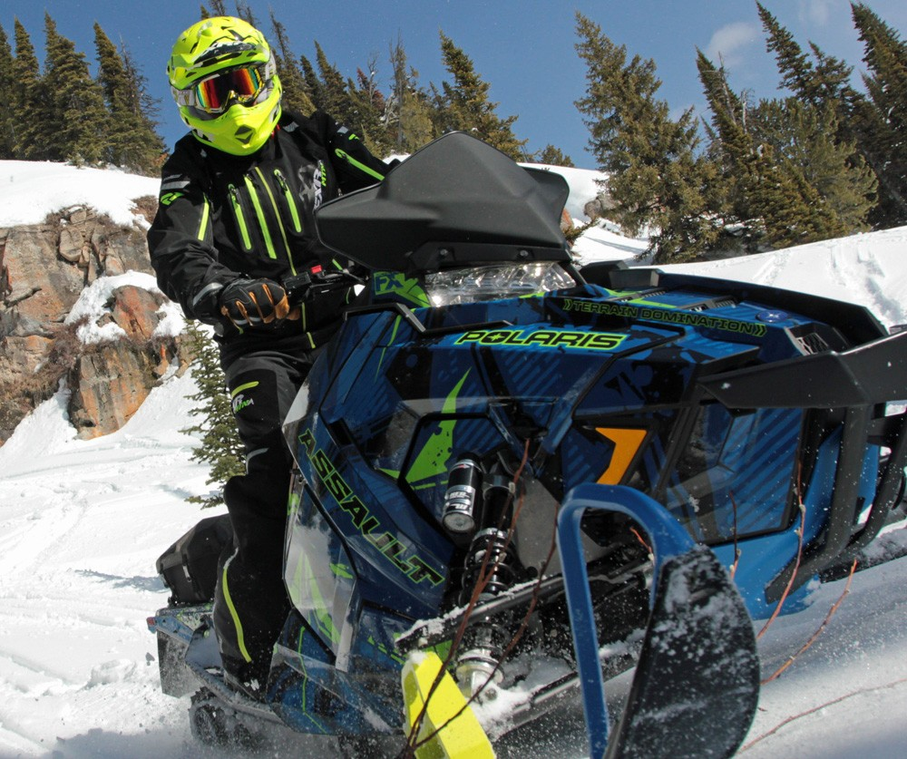 2017 Polaris 600 Switchback Assault Front