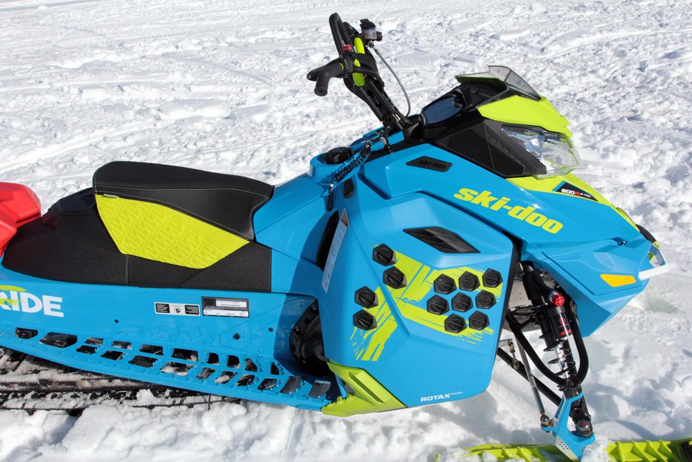 2017 Ski-Doo Freeride Mountain Amenities