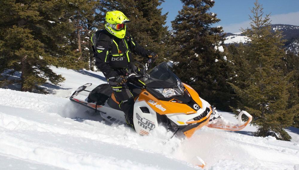 2017 Ski-Doo Summit X Action Simple