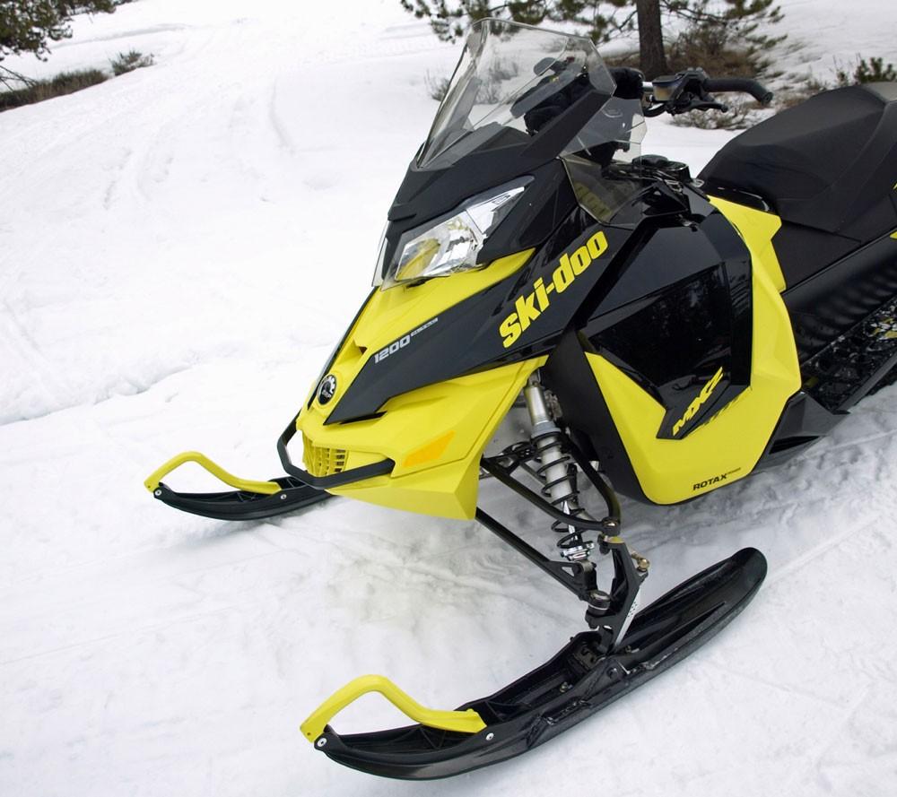 Ski-Doo 1200 MXZ Front End