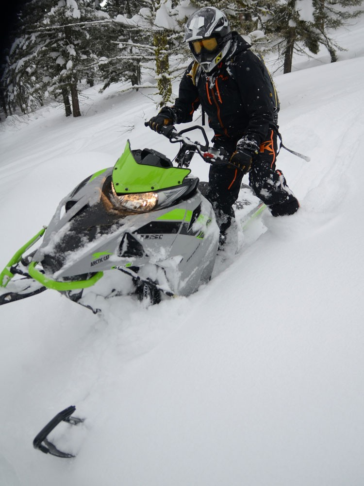 2018 Arctic Cat M8000 Sno Pro Action