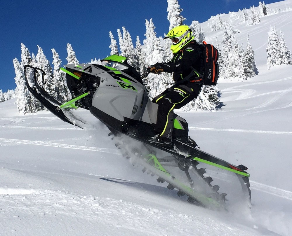 2018 Arctic-Cat M8000 Sno Pro Action Tail Walk