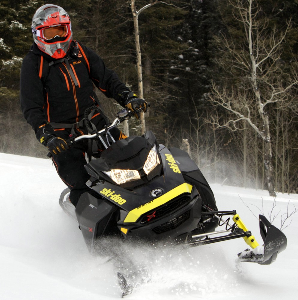 2018 Ski-Doo 850 Summit X 175 Action Front