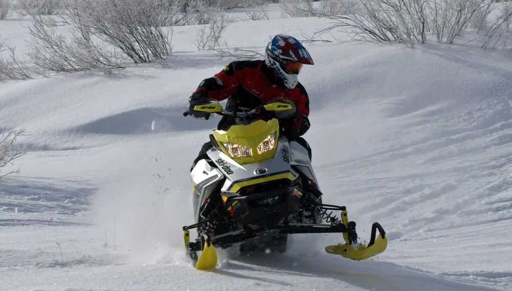 2018 Ski Doo Mxz X Rs 850 Action Cornering