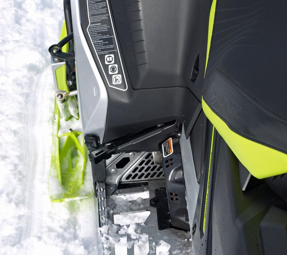 2018 Ski-Doo MXZ X-RS 850 Toeholds