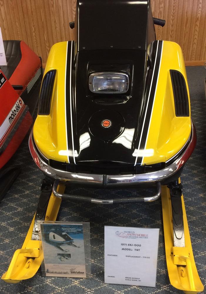 1971 Ski-Doo TNT 775 Front