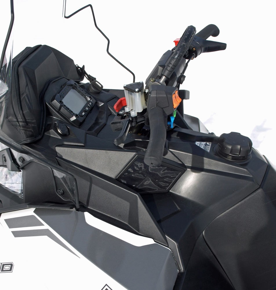 2018 Polaris 800 Titan SP 155 Display