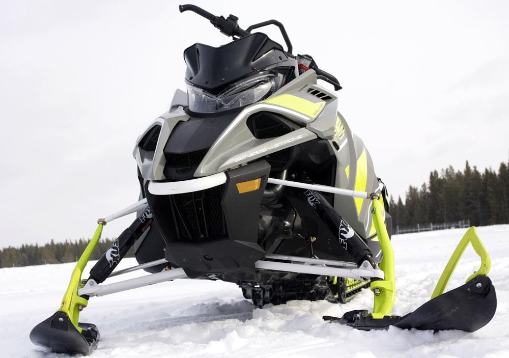 2018 Yamaha Sidewinder B-TX Front