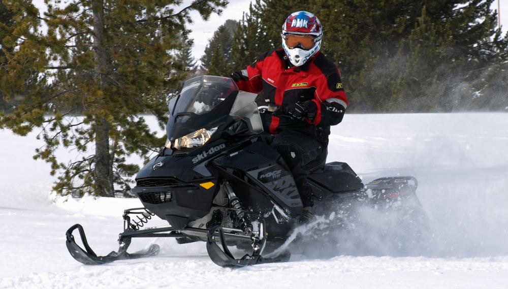 Yamaha Blackfriday Snowmobile