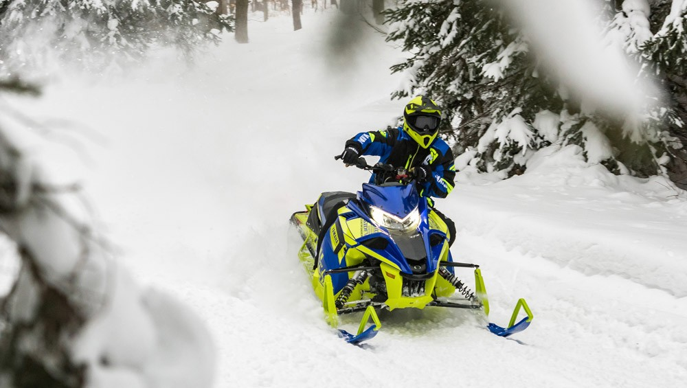 2019 Yamaha Sidewinder L-TX LE Action
