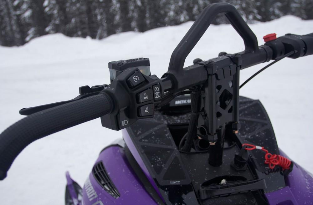 2019 Arctic Cat M8000 Mountain Cat Handlebar