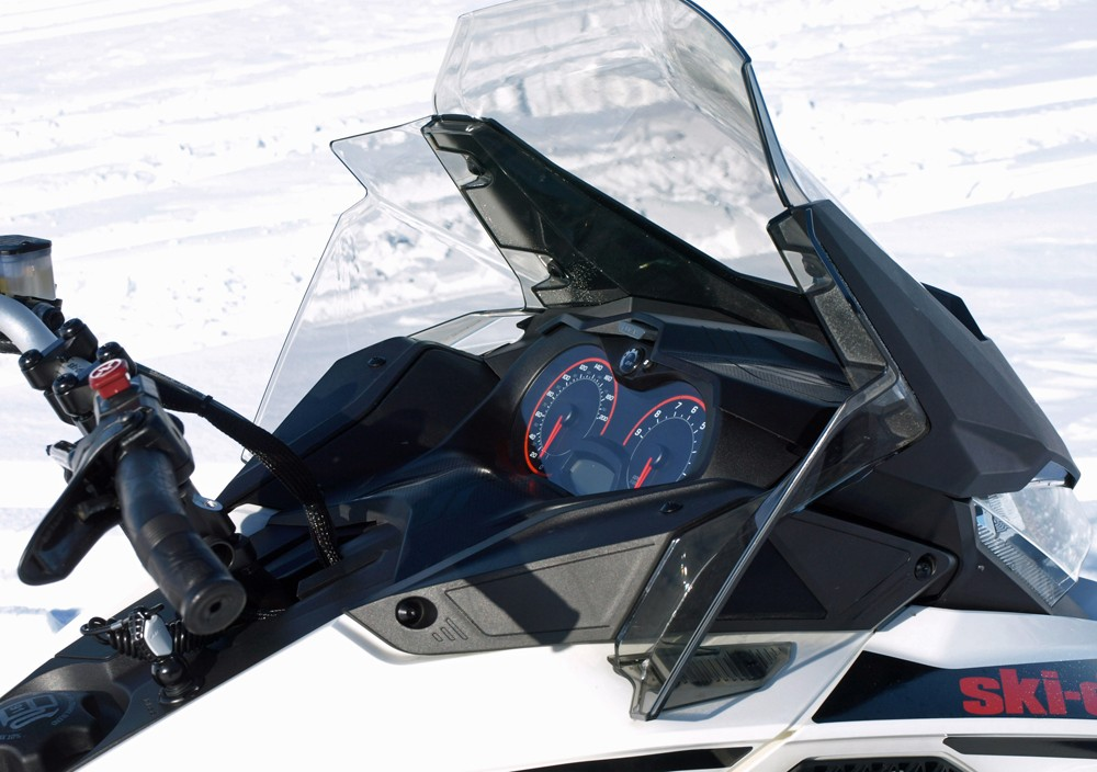2019 Ski-Doo Renegade Adrenaline 600R Gauges