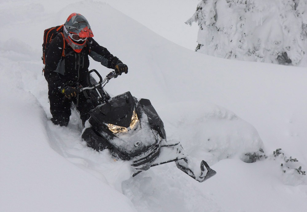 2019 Ski-Doo Summit X 175 Drop