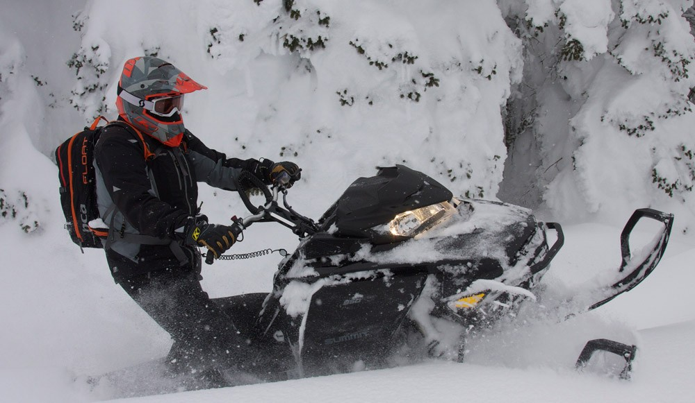 2019 Ski-Doo Summit X 175 Profile