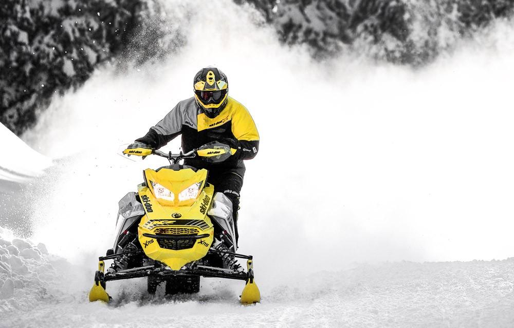 2019 Ski-Doo MXZ X-RS Front