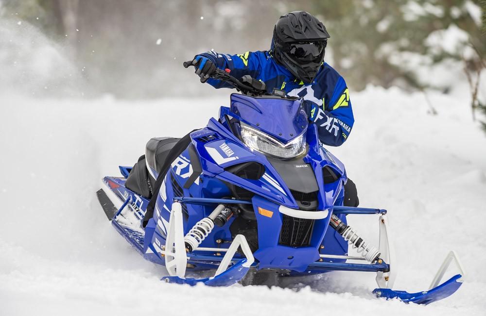 2019 Yamaha Sidewinder SRX LE Cornering