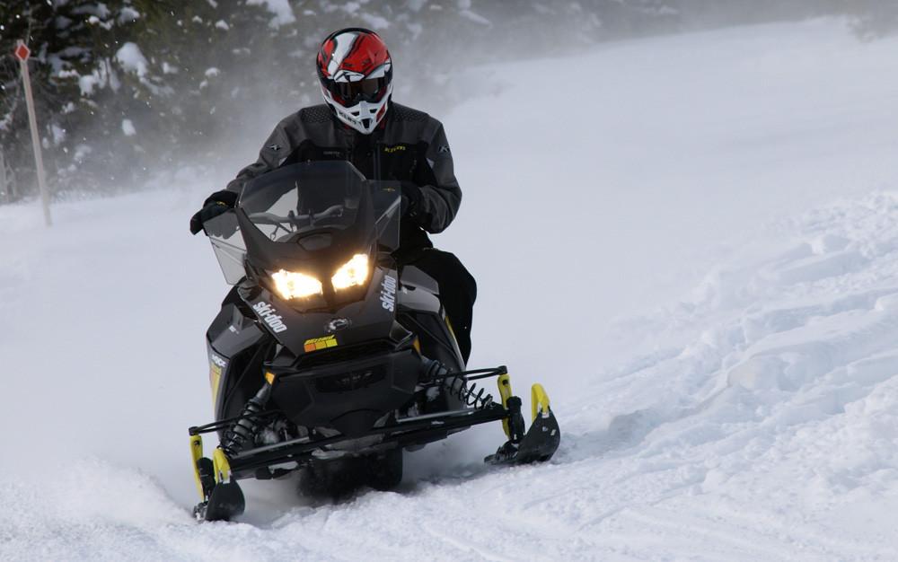 Ski-Doo MXZ Blizzard 850