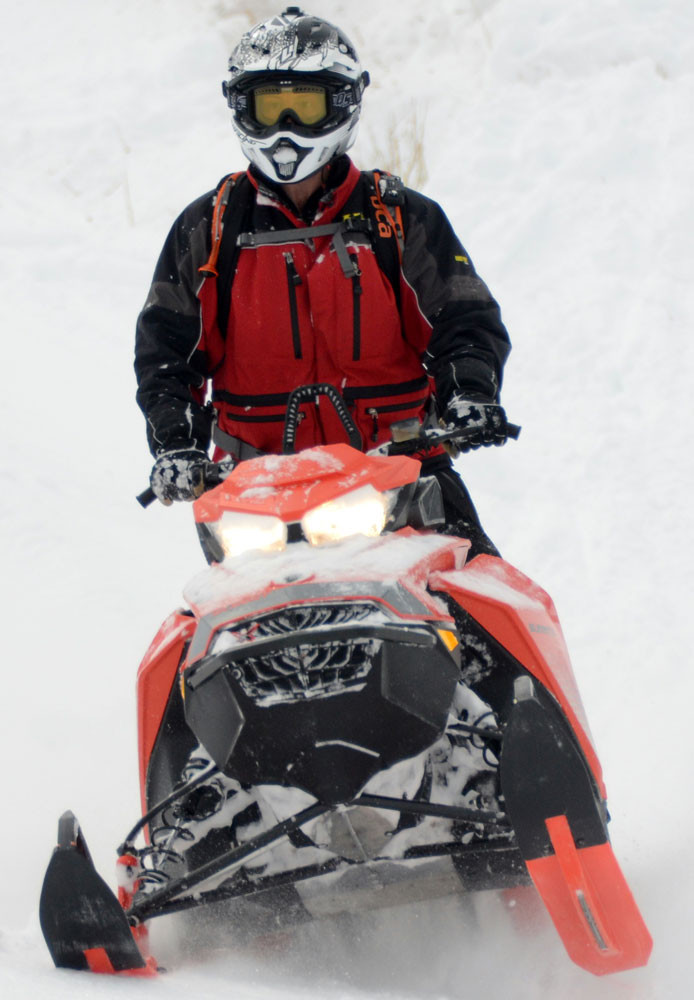 2019 Ski-Doo Summit X 165 4