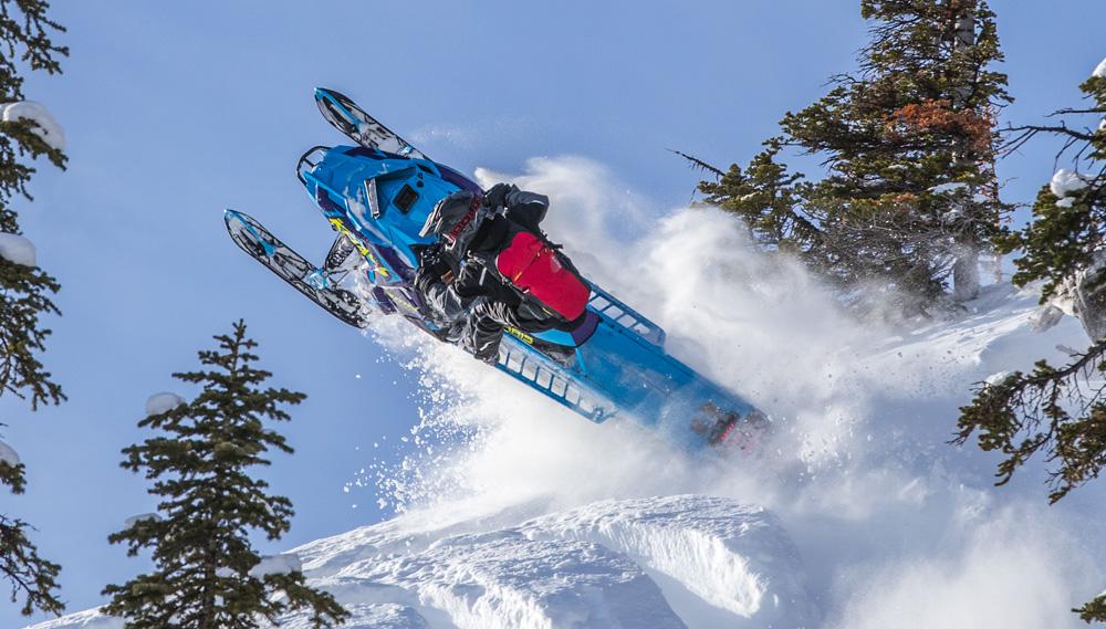 www.snowmobile.com