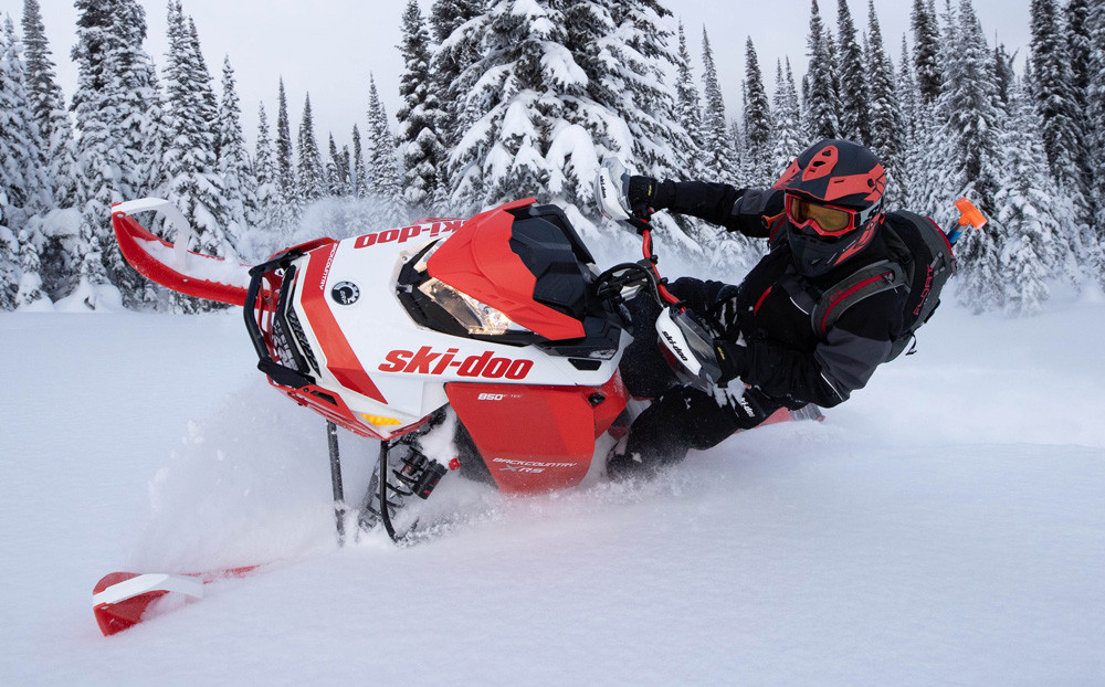 2020 Ski-Doo Backcountry X-RS 154 Action