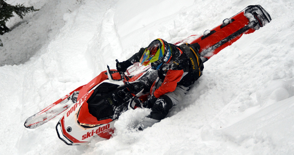 2020 Ski-Doo Summit X Expert Action 4