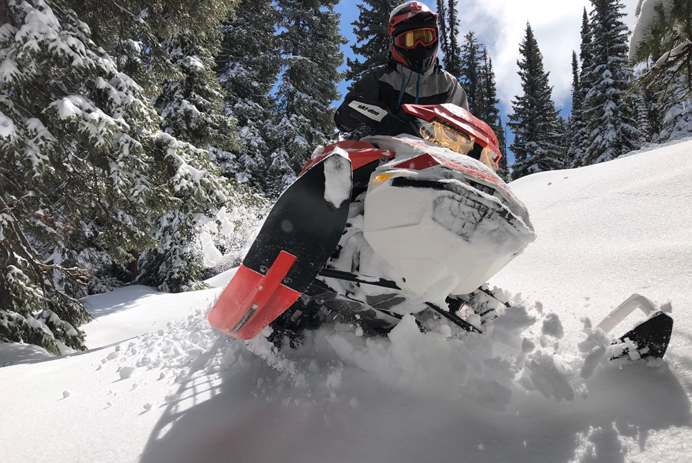 2020 Ski-Doo Summit X Expert Action 9