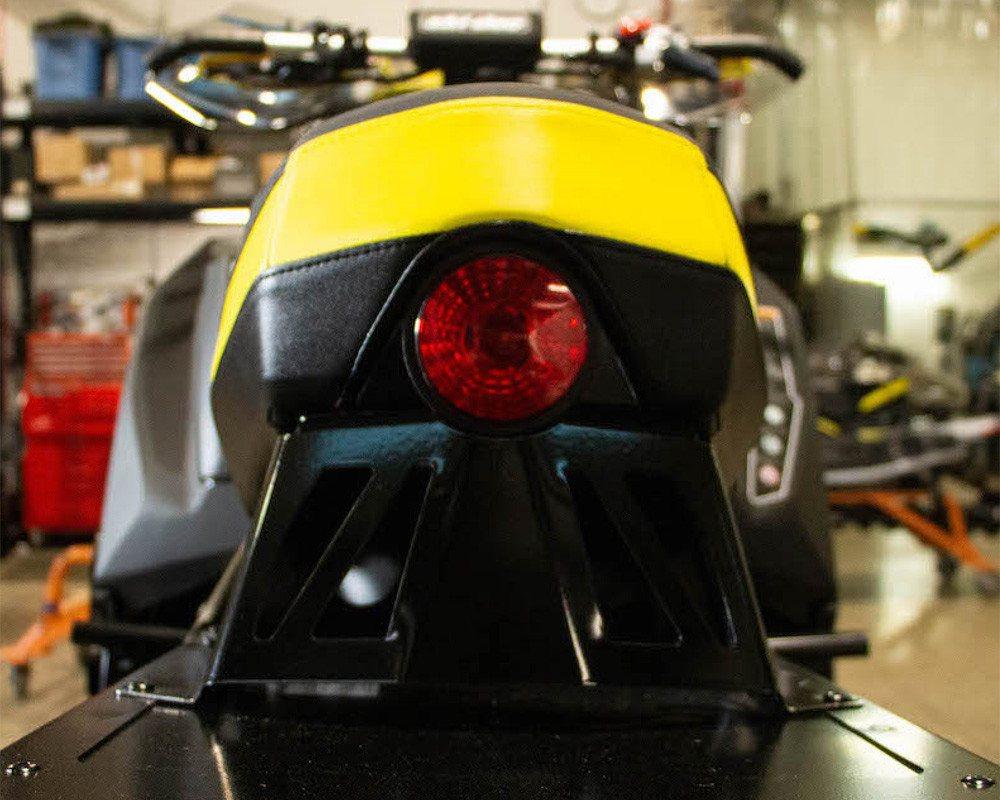 2020 Ski-Doo MXZx 600RS Задний фонарь
