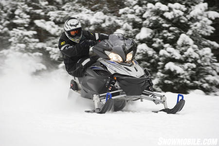 The Mono Shock II with a tunnel-mounted remote adjuster allows quick and easy suspension settings.