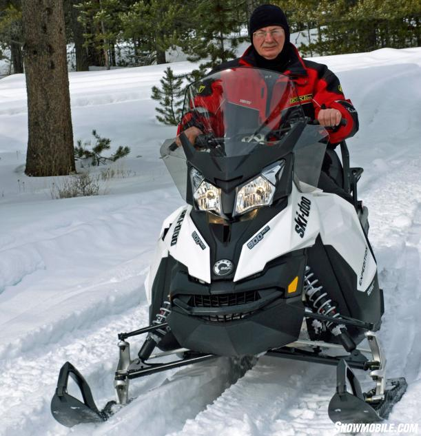 2014 Ski-Doo Expedition Sport ACE 900 Action