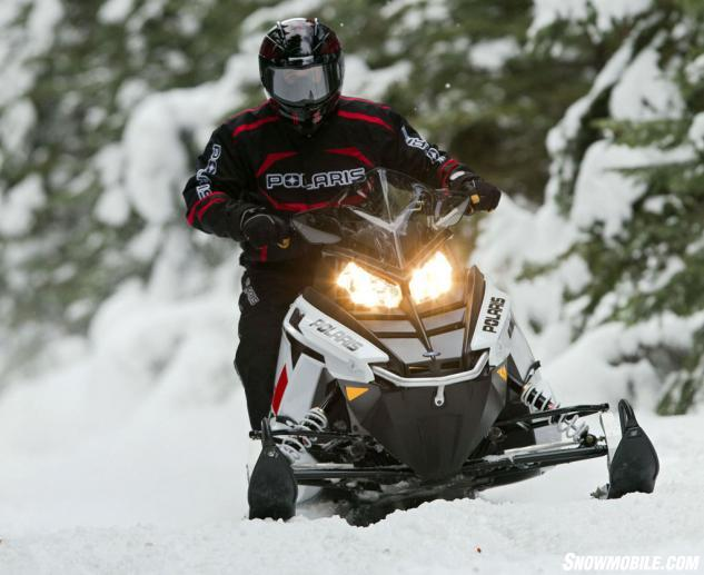 2014 Polaris 550 Indy Voyager Action