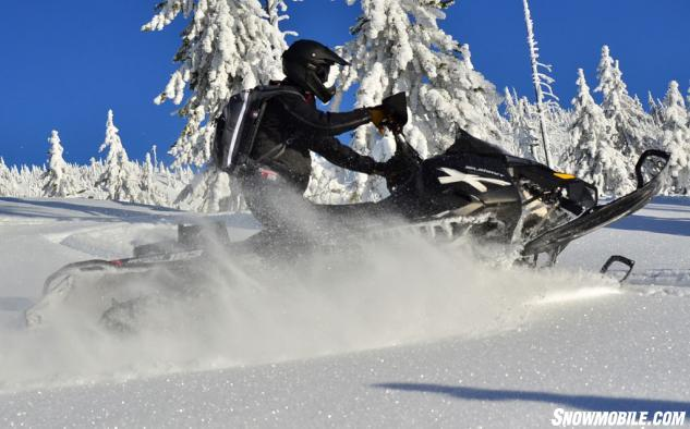 Ski-Doo XM Summit X 880 Deep Powder