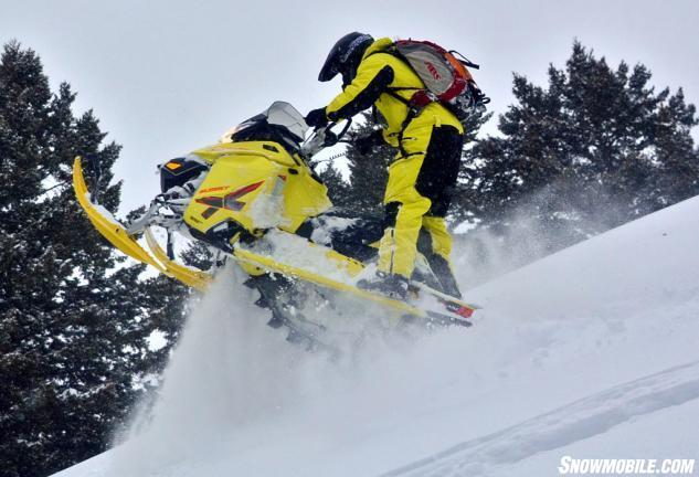 2015 Ski-Doo 800 Summit X T3 Action Jump