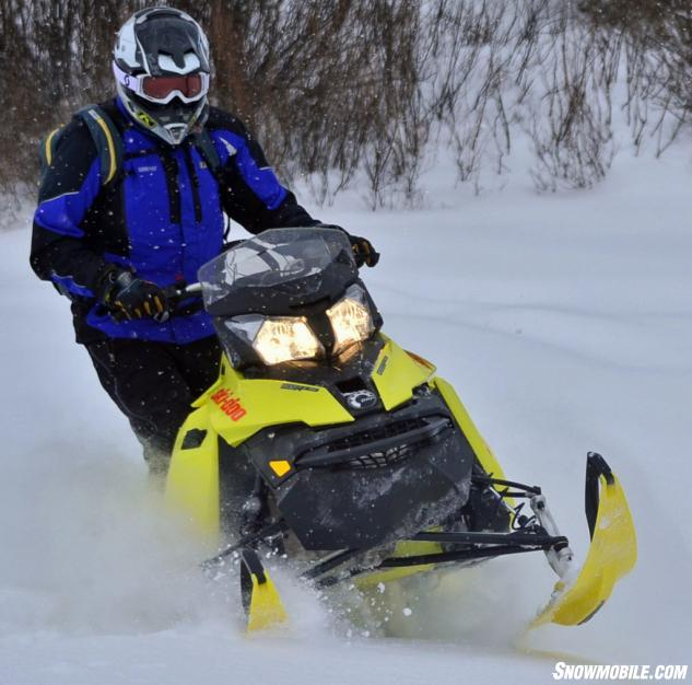2015 Ski-Doo 800 Summit X 174 with T3 Review + Video