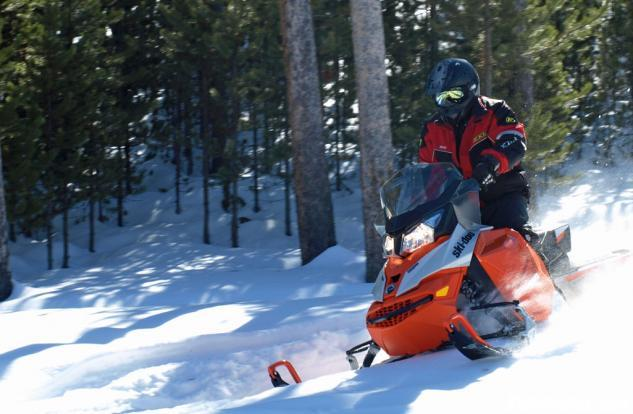 2015 Ski-Doo Renegade Adrenaline 600 ETEC Action