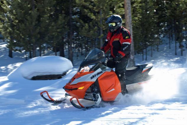 2015 Ski-Doo Renegade Sport 600 ACE Down Hill