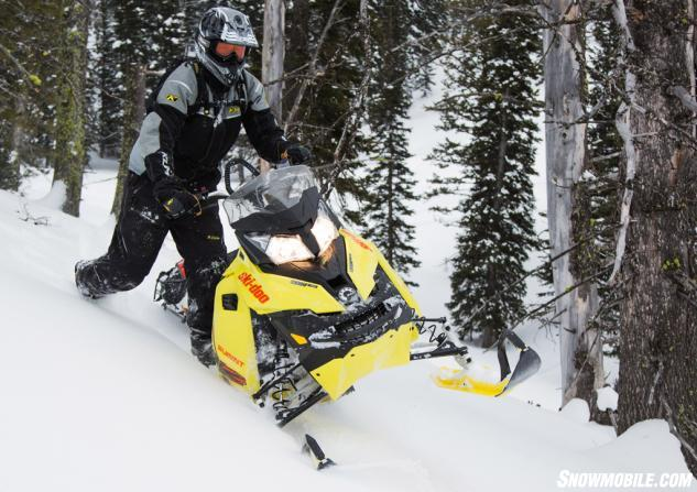 2015 Ski-Doo 800 Summit X T3 Action Sidehill