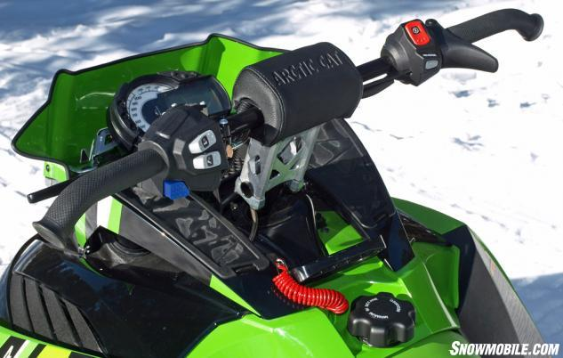 2016 Arctic Cat ZR 8000 RR Controls