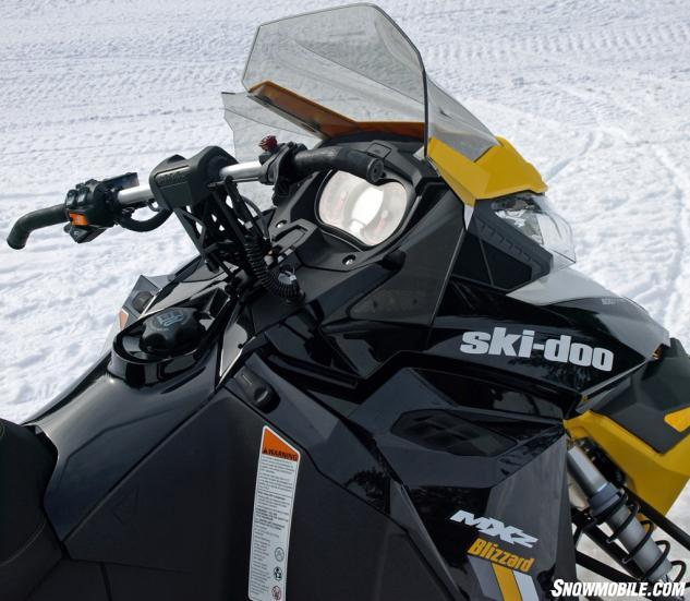 2016 Ski Doo Mxz Blizzard 800 Handlebar The Aluminum Hooked End Is Mounted On A 4 5 Inch Riser Block