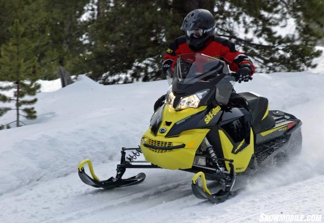 2016 Ski-Doo MXZ TNT 1200 4-TEC Action