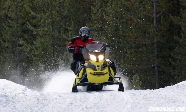 2016 Ski-Doo MXZ TNT 1200 4-TEC Action Front