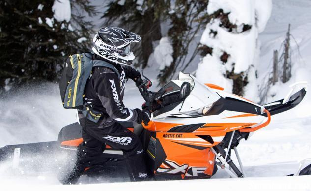 2016 Arctic Cat XF 8000 High Country Action Sidehilling