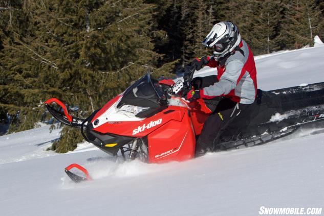 2016 Ski-Doo Summit SP T3 Action Left