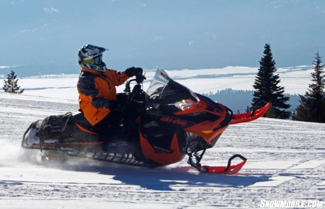 2016 Ski-Doo Renegade Backcountry 800R Action Balance