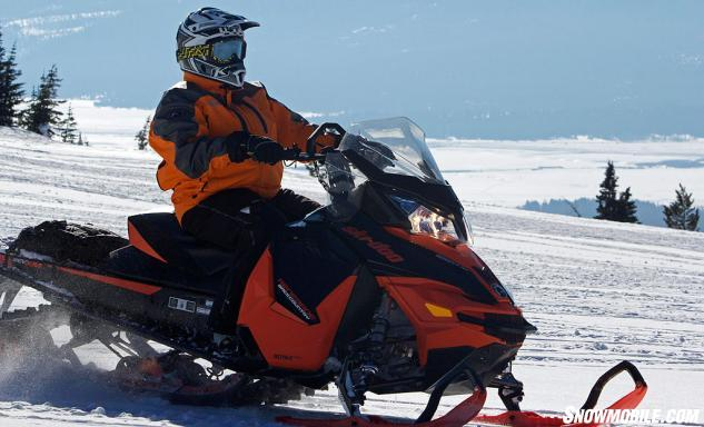 2016 Ski-Doo Renegade Backcountry 800R Action Trail