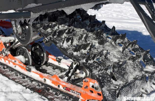 2016 Ski-Doo Renegade Backcountry 800R Flexedge Track