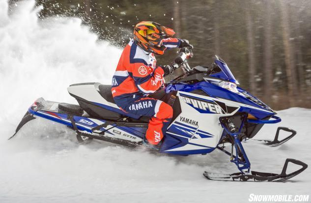 2016 Yamaha Viper R-TX LE Action