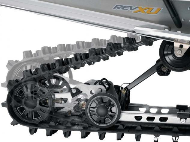 The Expedition LE's 154-inch track length spins easily around a SC-5U extended length parallel rail suspension that features articulated rails that ca
