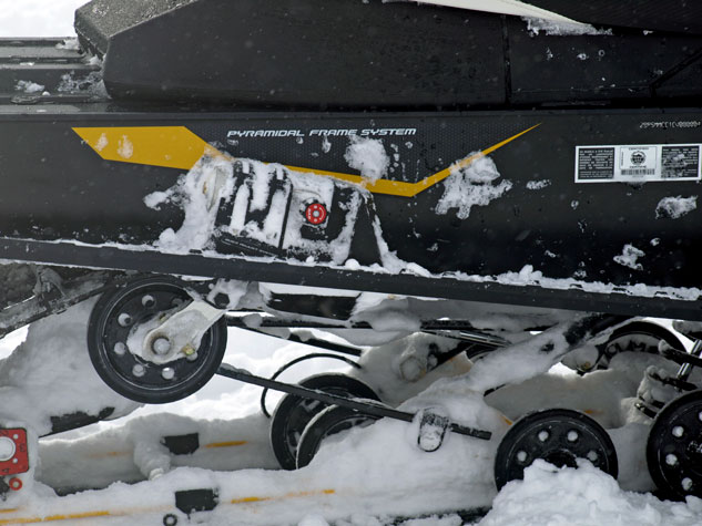 Ski-Doo MXZ TNT 1200 4-TEC rMotion
